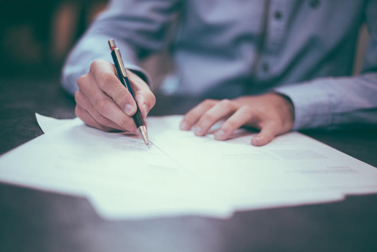 Billable hours versus writing legal blog content