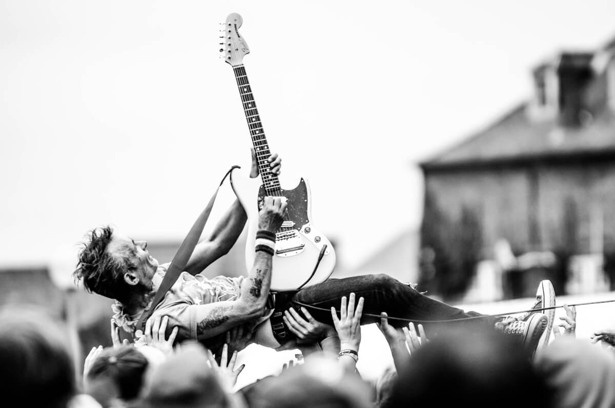 How outsourcing content can make you a rock star