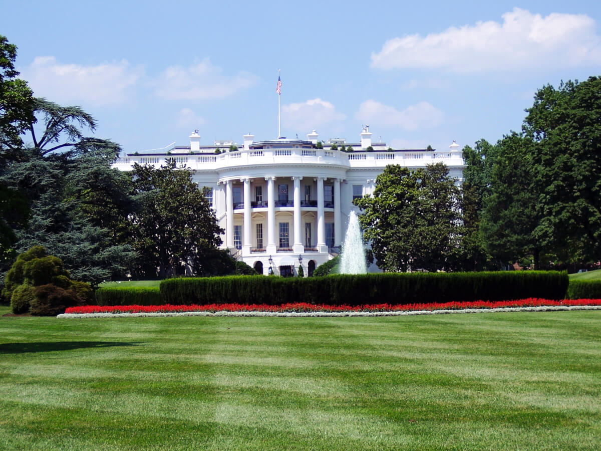 Right Steps for Marketers in Bad Political Climates